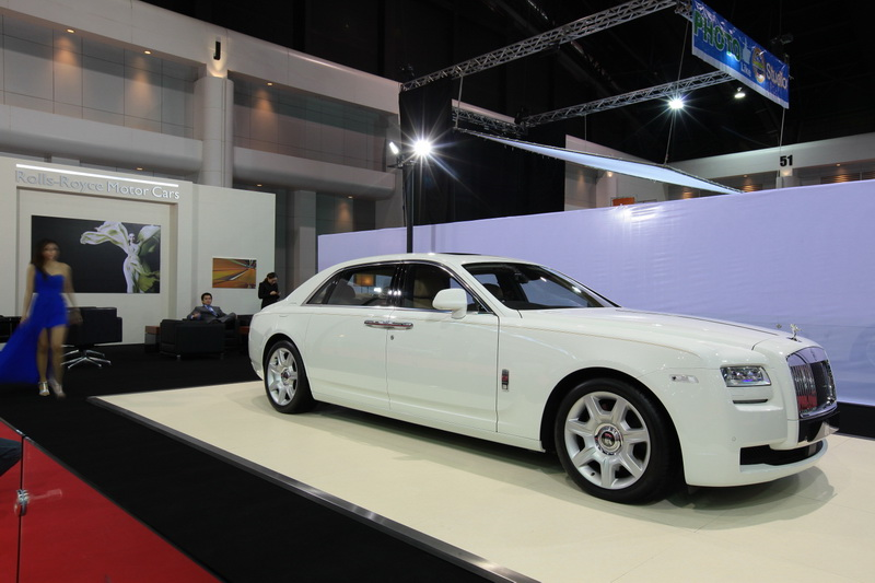Rolls royce bangkok imported car for Roy motors used cars